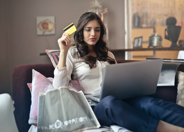 Rangez votre carte bleue : payez avec vos chèques cadeaux sur internet !