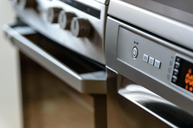 Le thermostat 7 correspond à une température de 210°C