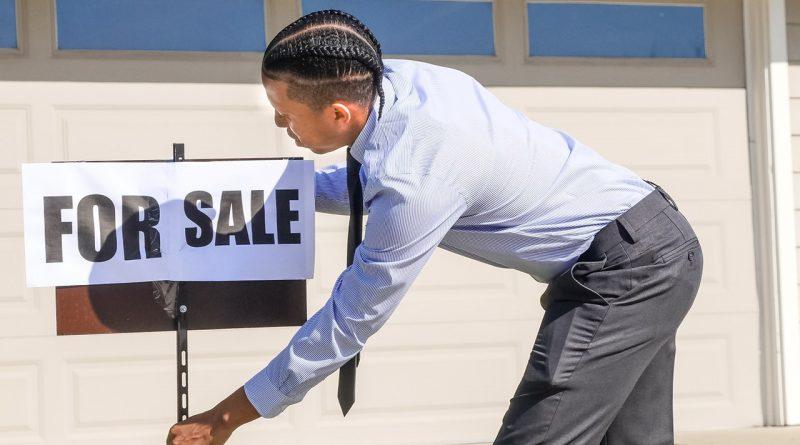 Un agent immobilier